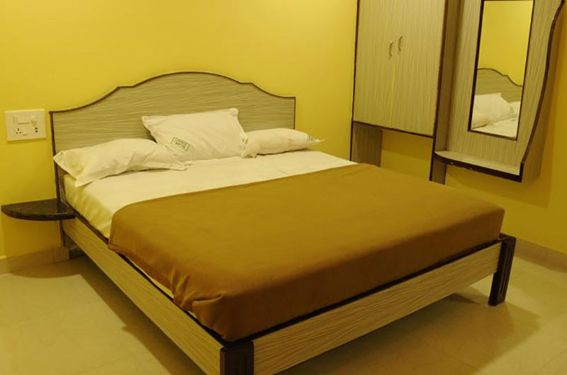 Sujan Residency- Deluxe Double Non A/C Room