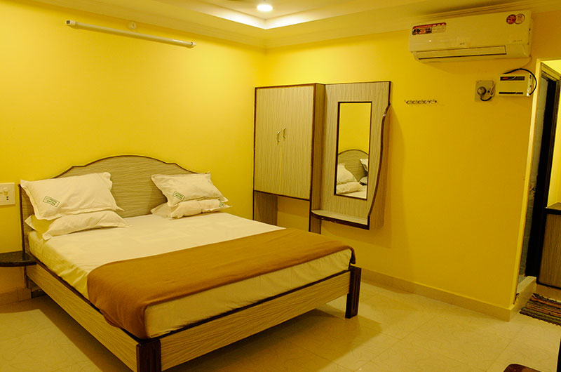 Sujan Residency- Deluxe Double A/C Room